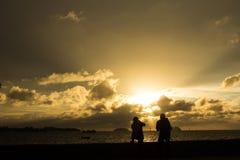 Coucher du soleil de bord de mer de Kota Kinabalu Image stock