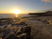 Coucher du soleil de côte, Fuerteventura, Îles Canaries photographie stock libre de droits