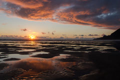 Coucher du soleil de côte ouest - Manzanita, Orégon Photographie stock