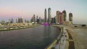 Coucher du soleil de canal de Dubaï banque de vidéos