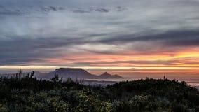 Coucher du soleil de Cape Town Photographie stock