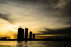 Coucher du soleil de Chao Phraya River Photo stock