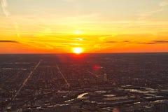 Coucher du soleil de Chicago de haute haute photos stock