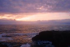 Coucher du soleil de compartiment de Yaquina Images stock