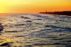 Coucher du soleil de couleurs d'eau image libre de droits