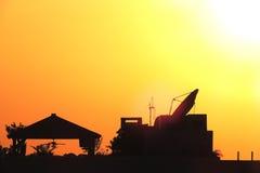 Coucher du soleil de dessus de toit Photo libre de droits