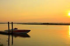coucher du soleil de dock photos libres de droits