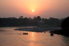 Coucher du soleil de fleuve de Ganges Photo stock