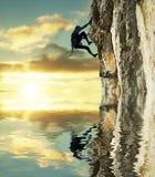 coucher du soleil de grimpeur Image libre de droits