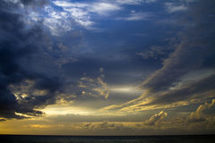 Coucher du soleil de Kauai, Hawaï Images libres de droits