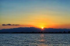 Coucher du soleil de la mer Méditerranée Photographie stock libre de droits