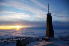 Coucher du soleil de la montagne Photographie stock