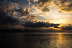 Coucher du soleil de la Thaïlande - Koh Samui Images stock