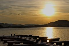 Coucher du soleil de lac Images libres de droits