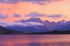 Coucher du soleil de lac Campotosto Images libres de droits