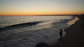 Coucher du soleil de laps de temps au-dessus de mer banque de vidéos
