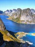 Coucher du soleil de littoral de paysage de la Norvège, îles de Lofoten images libres de droits