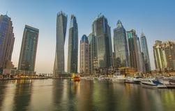 Coucher du soleil de marina de Dubaï image libre de droits