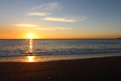 Coucher du soleil de mer, belle scène naturelle Photographie stock libre de droits