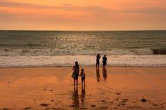 Coucher du soleil de mer dans Kuta Photographie stock libre de droits