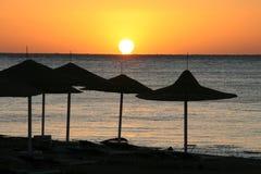 Coucher du soleil de mer. l'Egypte images libres de droits