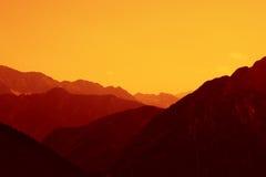 Coucher du soleil de montagne Image libre de droits