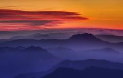 Coucher du soleil de montagne Photos stock