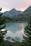 coucher du soleil de montagne de lac Image libre de droits
