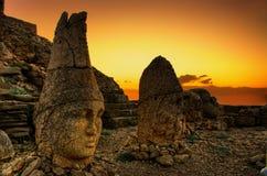 Coucher du soleil de montagne de Nemrut, royaume de Komagene, Adıyaman, Turquie Photographie stock libre de droits