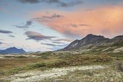 Coucher du soleil de montagne du Yukon Photos stock