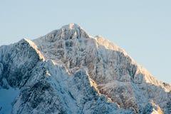 coucher du soleil de montagnes images stock