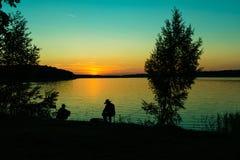 Coucher du soleil de pêche Image stock