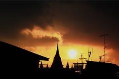 Coucher du soleil de pagoda images stock