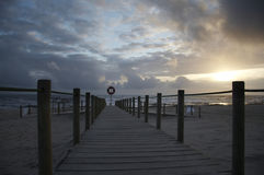 coucher du soleil de passerelle Photo libre de droits