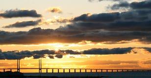 Coucher du soleil de passerelle d'Oresund Images libres de droits