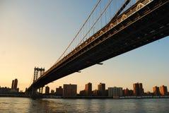 Coucher du soleil de passerelle de New York City Manhattan Photographie stock