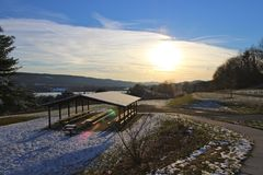 Coucher du soleil de Pavillion de parc Image libre de droits