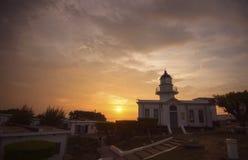 Coucher du soleil de phare au port de Kaohsiung (Gao Xiong, Taïwan) Photos libres de droits