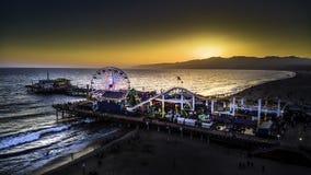 Coucher du soleil de pilier de Santa Montica en Californie photos stock