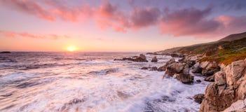 Coucher du soleil de plage de la Californie image libre de droits
