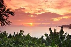 Coucher du soleil de plage de Patong Photos stock