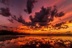 Coucher du soleil de plage de vacances Image libre de droits