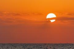 Coucher du soleil de plage du Charjah Photographie stock libre de droits
