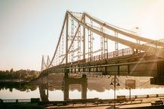 Coucher du soleil de pont avec le ciel images libres de droits
