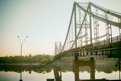 Coucher du soleil de pont avec le ciel photo stock