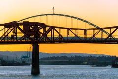 Coucher du soleil de pont de Broadway Images stock