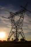 coucher du soleil de pylône de l'électricité Image stock