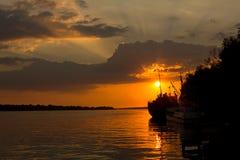Coucher du soleil de rivière Image stock