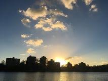 Coucher du soleil de rivière de Brisbane image libre de droits