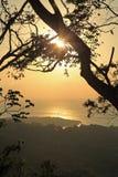 Coucher du soleil de Roatan Photographie stock libre de droits